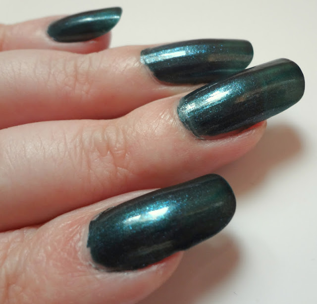 smalto OPI Cuckoo for this color