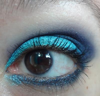 trucco azzurro e blu