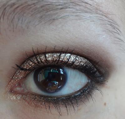 Make Up bronzo dorato con Astra e Sleek