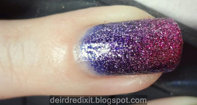 Gradient manicure con smalti Mistery e Glamour di Shaka
