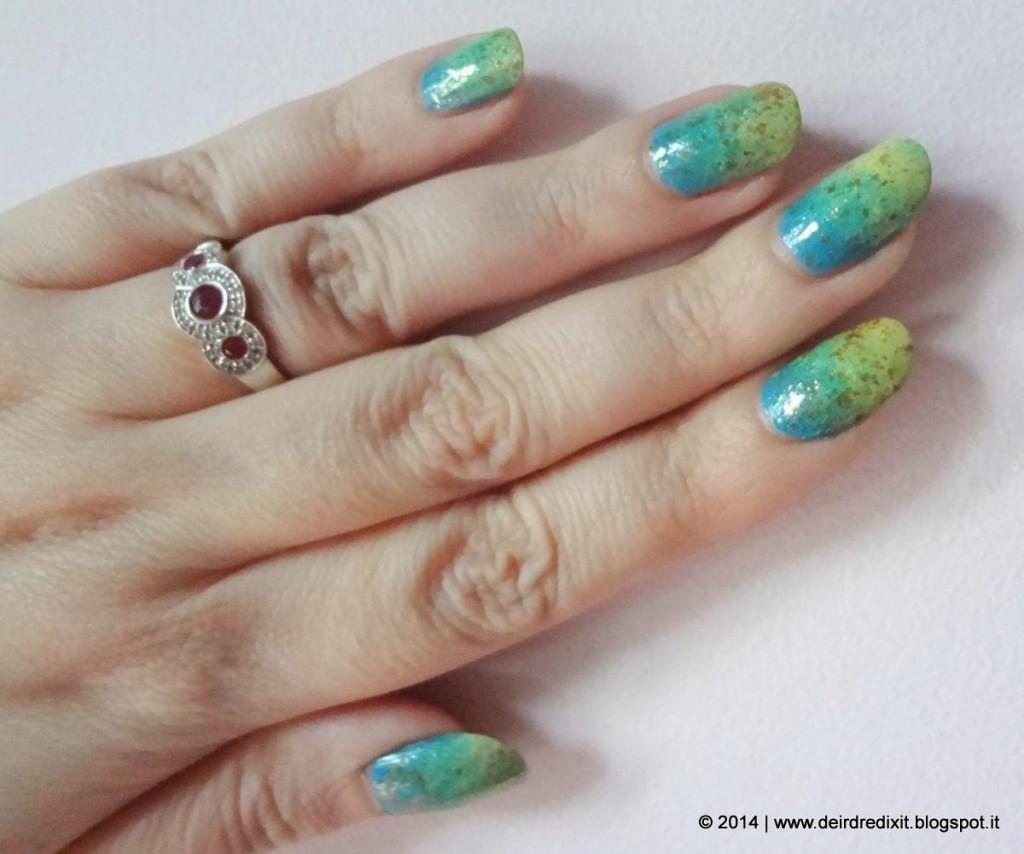 Manicure estiva spugnata realizzata con smalti Faby e NYC