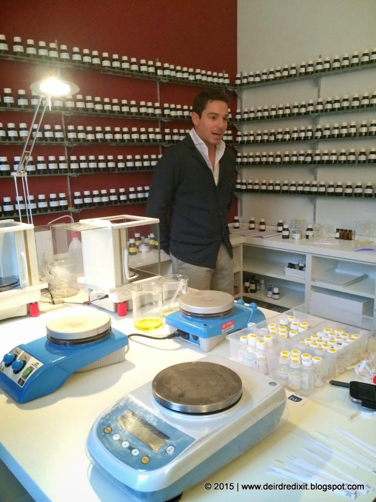 Scorcio del Laboratorio di Atelier Fragranze Milano