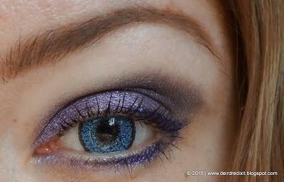Lenti a contatto colorate TopVue azzurre su occhi scuri