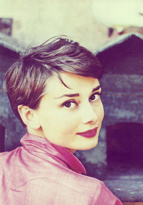 Acconciature anni 50: Audrey Hepburn