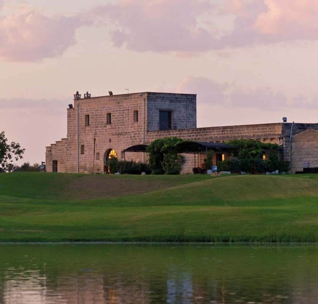 Giocare a golf nel salento masseria acaya golf club