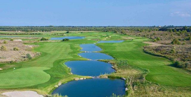 giocare a golf nel salento laghi acaya