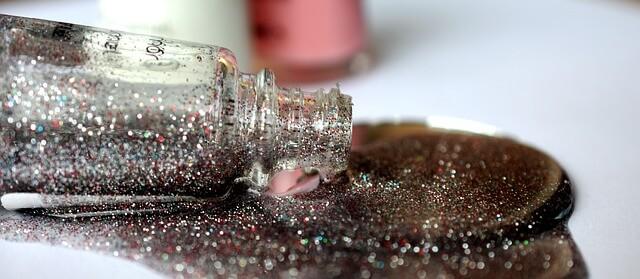 Smalto semipermanente glitter