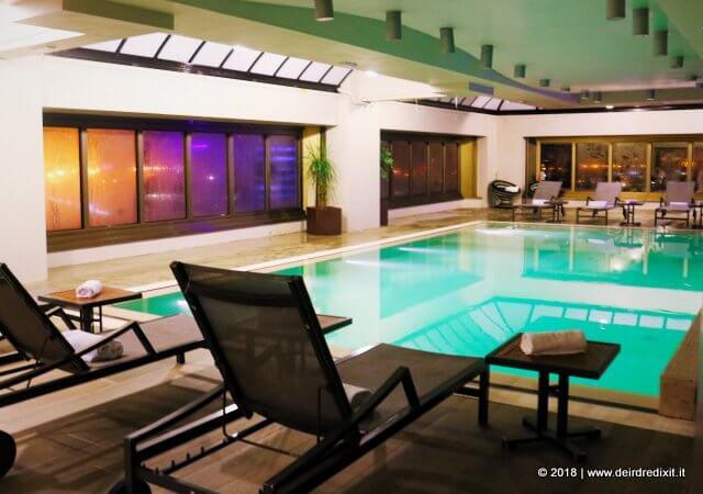the hub hotel piscina