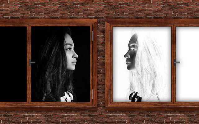 immagine riflessa alla specchio